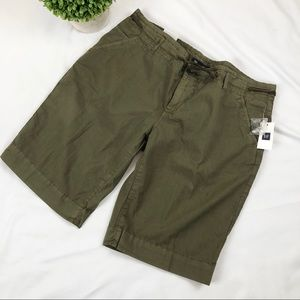 NWT GAP Bermuda shorts army green